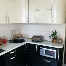 черно белые кухни на заказ купить в москве кухню в черно белых