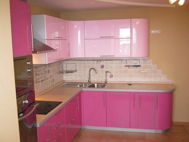 розовая кухня в интерьере